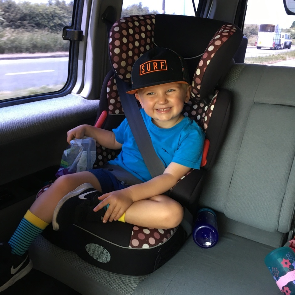 How to entertain a child on a long car ride