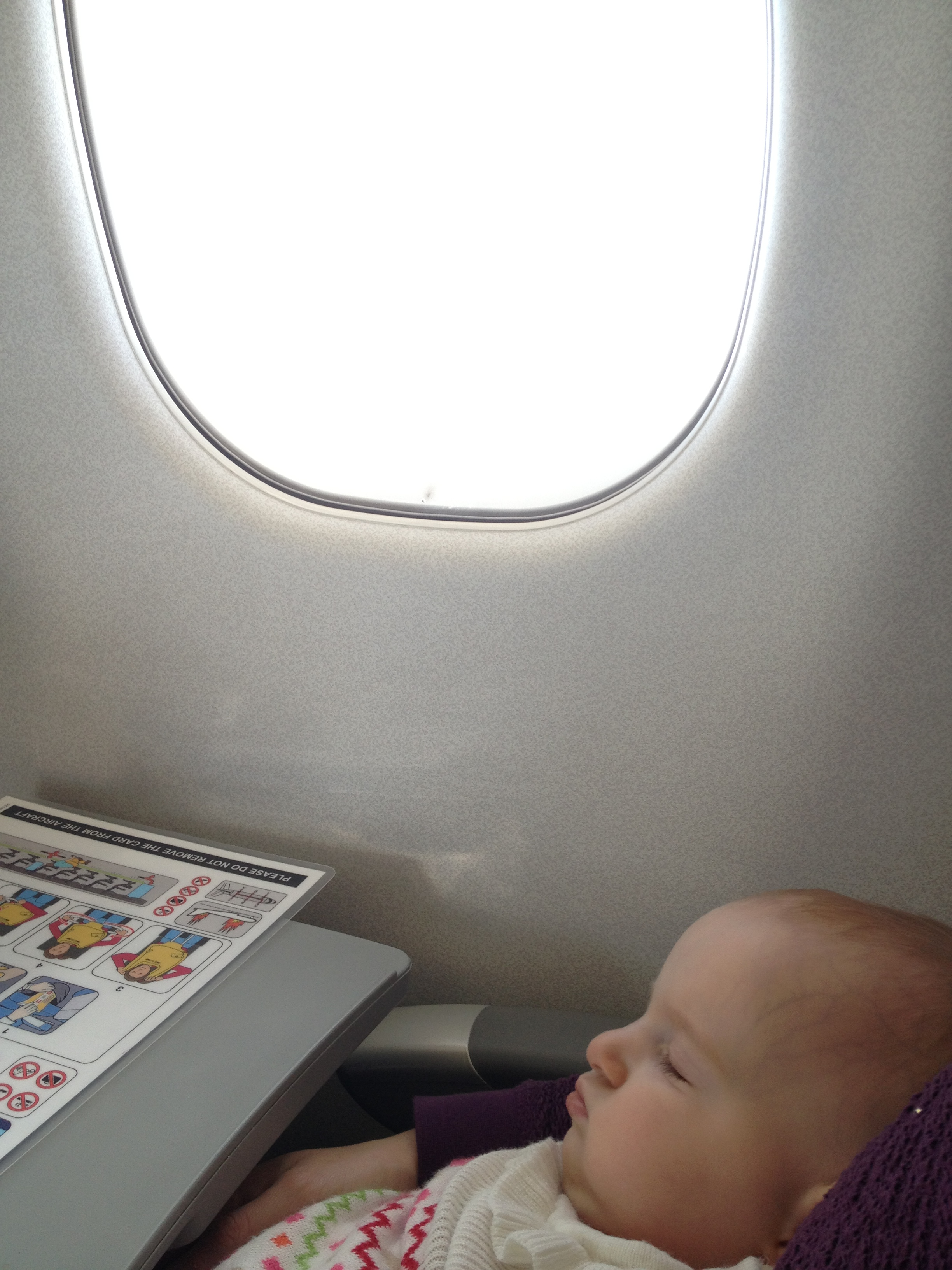 Your ultimate guide of tips when flying with young children and babies