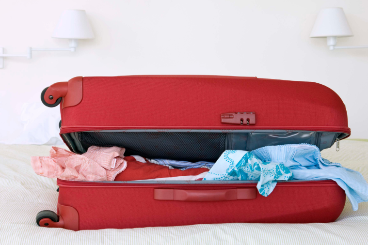How to pack minimally for your summer holiday (3).png