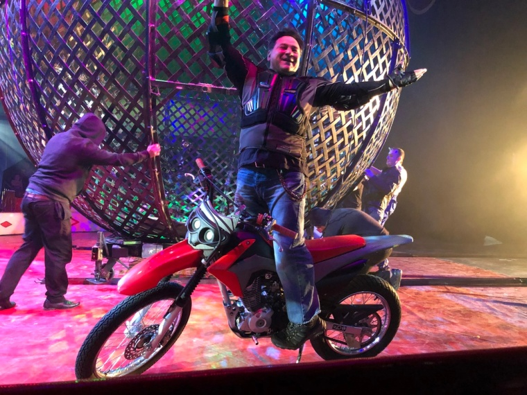 Circus Funtasia Review Motorbike Performer