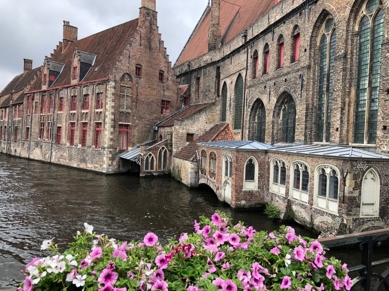 A day in Bruges, Belgium, with kids on our Europe road trip
