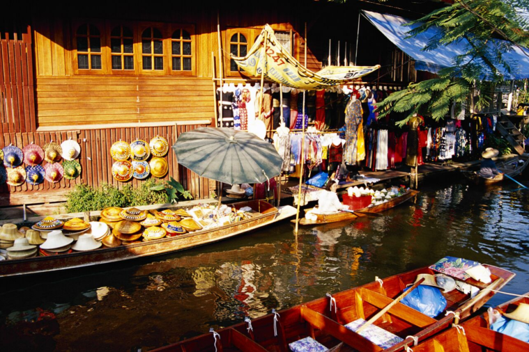 Tips for visiting floating markets in Thailand
