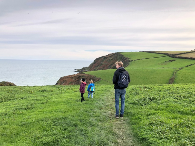 Pentewan Sands to Mevagissey coast path with kids