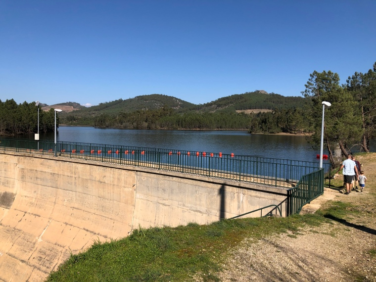 Lake + dam  Penha Garcia Castelo Branco Portugal travel with kids