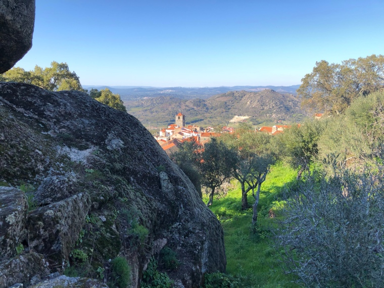 Monsanto boulders + views Monsanto rock village + castle -  great instagram spots castelo branco portugal