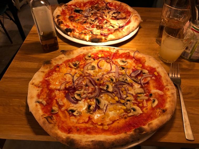 Papi's Pizzeria vegan pizza Mumbles Gower Wales