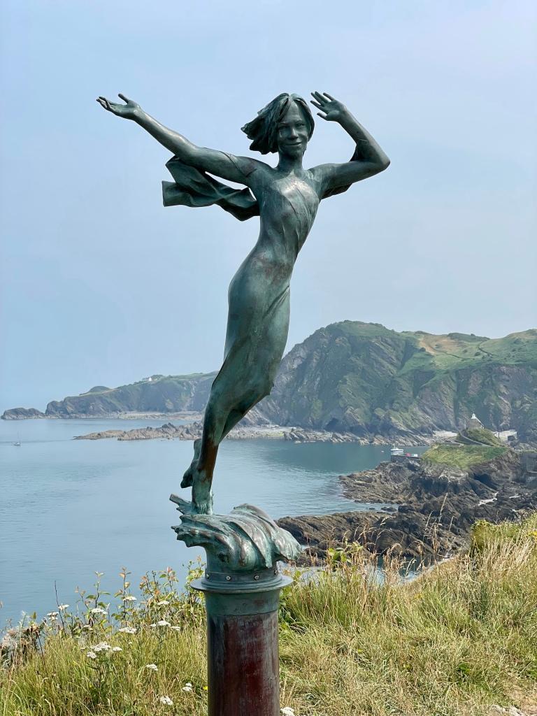 Ekaterine Kate statue Ilfracombe